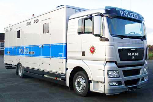 Pferdetransporter für 6 Pferde + Mannschaftsraum