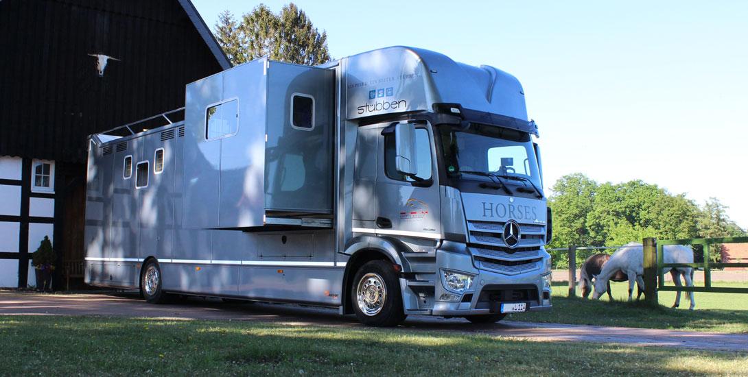 Pferdetransporter mit Luxus Wohnkabine